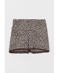 H&M MAMA Gesmokte Shorts - Mehrfarbig
