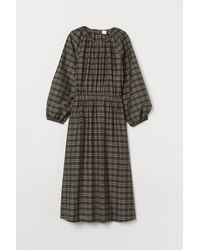 H&M Kleid aus Modalmischung - Grün