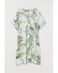 H&M - MAMA Kleid mit V-Ausschnitt - Lyst