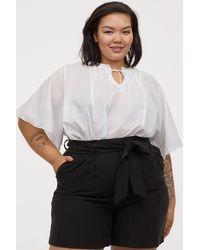 H&M + Shorts With Tie Belt - Black