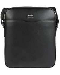 BOSS by Hugo Boss Signature Collection Reporter Bag In Palmellato Leather - Black