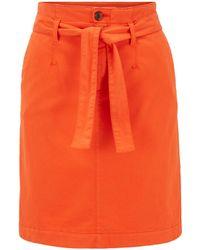 BOSS by HUGO BOSS Falda estilo chinos en satén de algodón elástico con cinturón anudado - Naranja