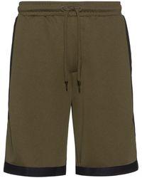 HUGO Shorts relaxed fit de punto con ribetes de cinta a rayas - Verde