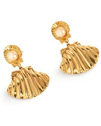 Soul2Seven 24kt Yellow Gold Plated Venus Pearl Earrings - Metallic