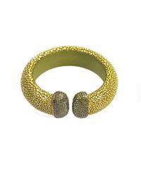 Latelita London Stingray Cuff With A Kiwi Green Stone cKIOn4m