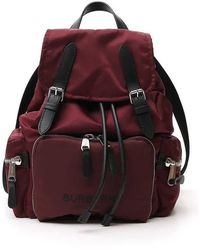 Burberry The Medium Rucksack In Logo Print Econyl® - Red