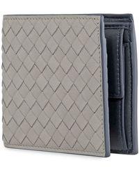 Bottega Veneta Mens Grey Bi-fold Wallet With Coin Purse - Gray