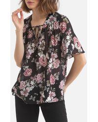 IKKS - Blusa con cuello de pico y estampado de flores, manga corta - Lyst