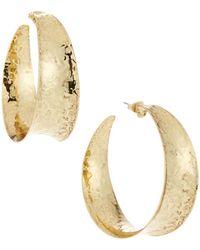 Nest - Hammered Brass Graduated Hoop Earrings - Lyst