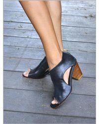Lilla Lane Jaipur Heel Boot - Blue
