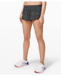 "lululemon athletica Hotty Hot Low Rise Short 2.5"" - Multicolour"