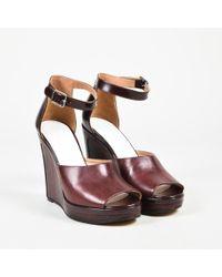 Maison Margiela - Maison Margiela Red Leather Peep Toe Ankle Strap Wedge Sandals - Lyst