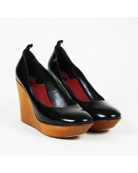 Chloé Patent Leather Wooden Wedge Court Shoes - Black