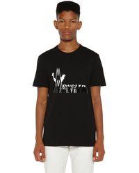 Moncler Bedrucktes T-shirt Aus Baumwolle - Schwarz