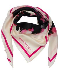 Alexander McQueen Schal Aus Seidentwill Mit Blumendruck - Pink