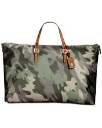 Tommy Hilfiger - Julia Camo Extra-large Weekender - Lyst