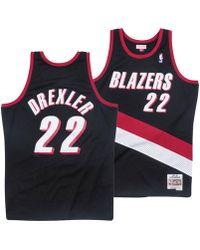 1a9ebb0f27e7 Mitchell   Ness - Clyde Drexler Portland Trail Blazers Hardwood Classic Swingman  Jersey - Lyst