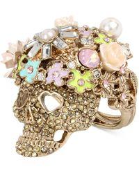 Betsey Johnson - Rose Gold-tone Flowery Glitter Skull Ring - Lyst