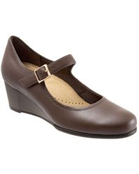 Trotters Willow Mary Jane Wedge Pump - Brown