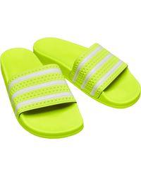 adidas Originals Adilette Slides Teenslippers Geel