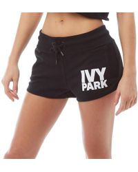 Ivy Park - Damen Logo Shorts Schwarz - Lyst