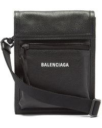Balenciaga エクスプローラー グレインレザーポーチ - ブラック