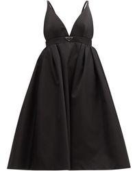 Prada Robe Re-Nylon à plaque logo - Noir