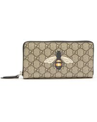 dcff05555c6c Gucci - Gg Supreme Bee Print Wallet - Lyst