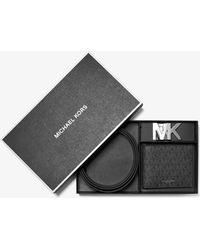 Michael Kors Set portafoglio a libro e cintura con logo - Marrone