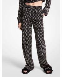 Michael Kors Pantalón tipo pijama de crepé prensado con estampado de medallones y tachuelas - Negro
