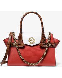 Michael Kors Bolso satchel Carmen pequeño de piel en relieve con bloque de color y tiras decorativas - Rojo