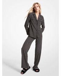 Michael Kors Camisa tipo pijama de crepé prensado con estampado de medallones y tachuelas - Negro