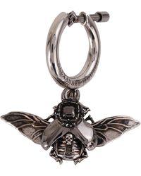 Alexander McQueen Orecchino singolo in ottone con pendente a forma di scarafaggio e chiusura a vite - Metallizzato