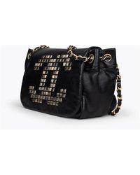 Chanel Vintage Bolso con solapa de tachuelas Negro