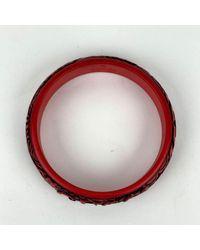 Gucci Dragon Resin Engraved Logo Bangle Bracelet Rojo