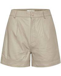 Gestuz Pantalones cortos de cuero - Neutro
