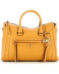 Michael Kors Carine Medium Handbag In Leather - Oranje