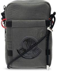 Moncler Shoulder Bag With Logo - Grijs