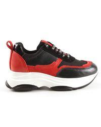 NIKKIE Retro Sneakers - Zwart