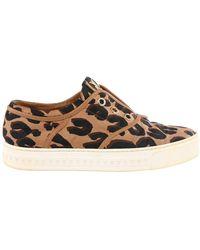 Louis Vuitton Tweedehands Instapsneakers Met Luipaardprint - Bruin