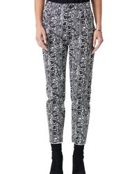 NA-KD 5 Pocket Snake Printed Pants - Gris