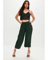 Missguided - Khaki Pleated Culottes With Skinny Tie Belt - Lyst