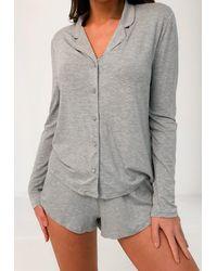 Missguided Weiches Schlafanzug-Set aus langärmeligem Oberteil und Shorts - Grau
