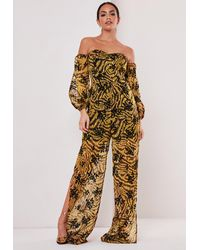 Missguided - Mustard Velvet Detail Printed Cold Shoulder Romper - Lyst