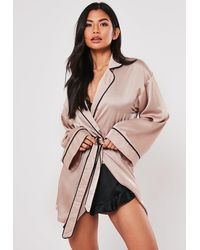 Missguided Mink Satin Piping Kimono Sleeve Dressing Gown - Pink