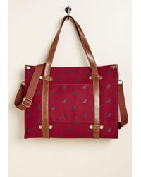 ModCloth - Camp Director Zipped Tote In Crimson Cat - Lyst