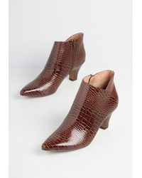 Chelsea Crew Align With Fine Ankle Boot - Brown