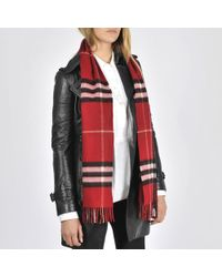 Burberry Icon Check Cashmere Scarf in White - Lyst 42225343bd02d