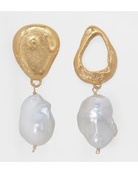 Alighieri The Infernal Storm Earrings In Gold Plated Bronze And Freshawater Pearl - Metallic