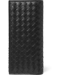 Bottega Veneta Intrecciato Leather Travel Wallet - Brown